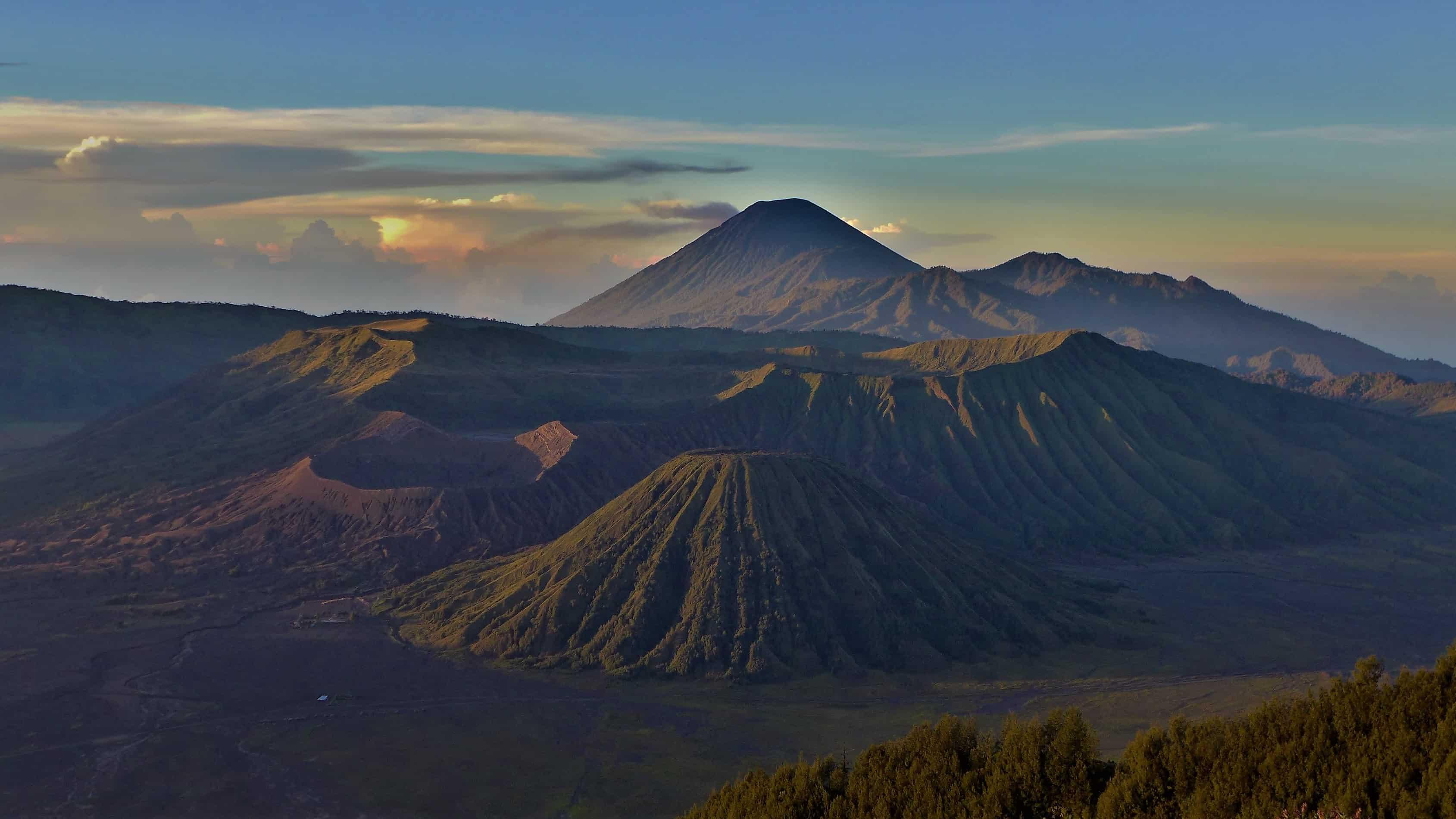 Treking w Indonezji, Bromo, Batok, Semeru