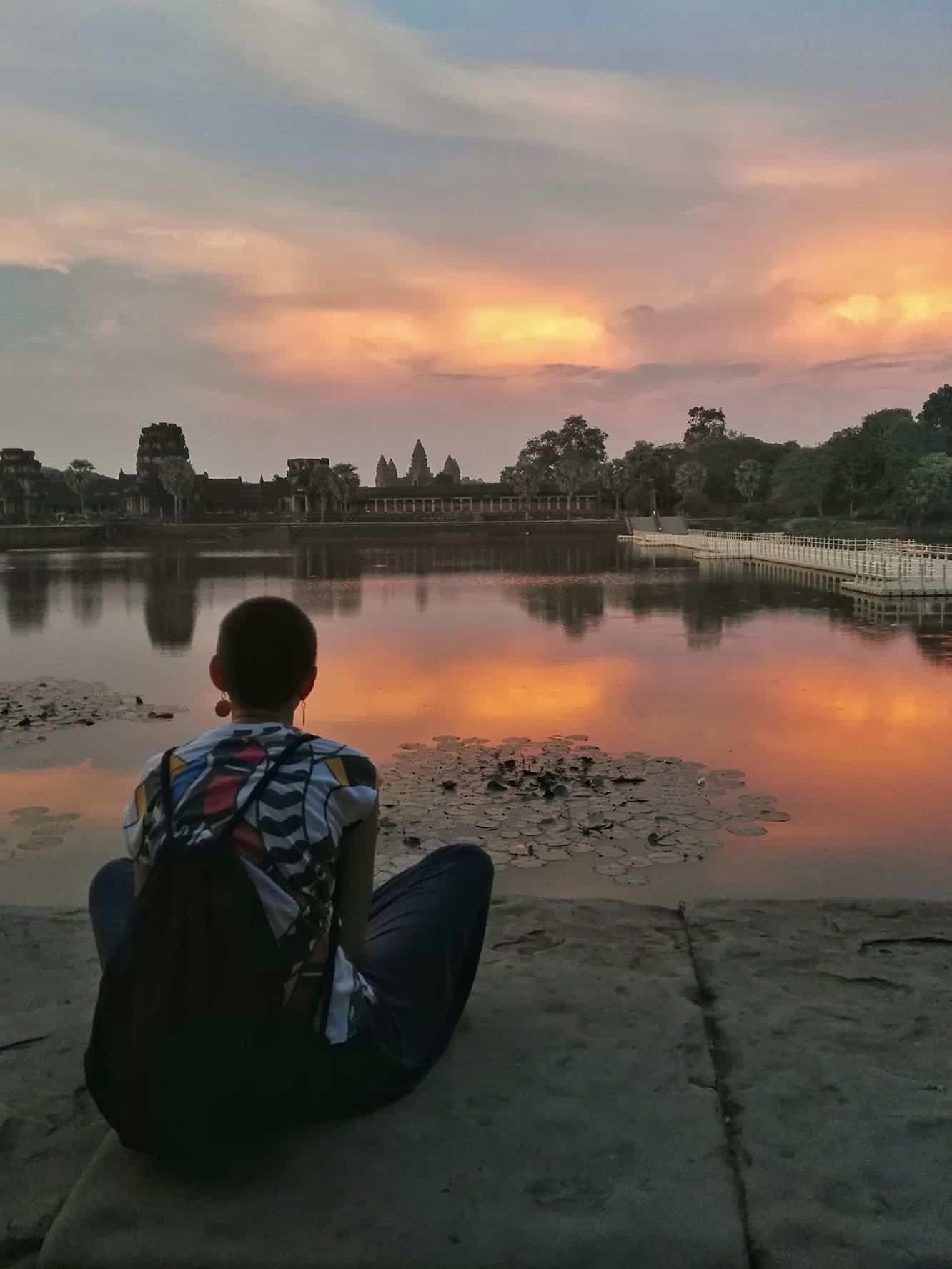 życie w drodze; Angkor Wat sunset