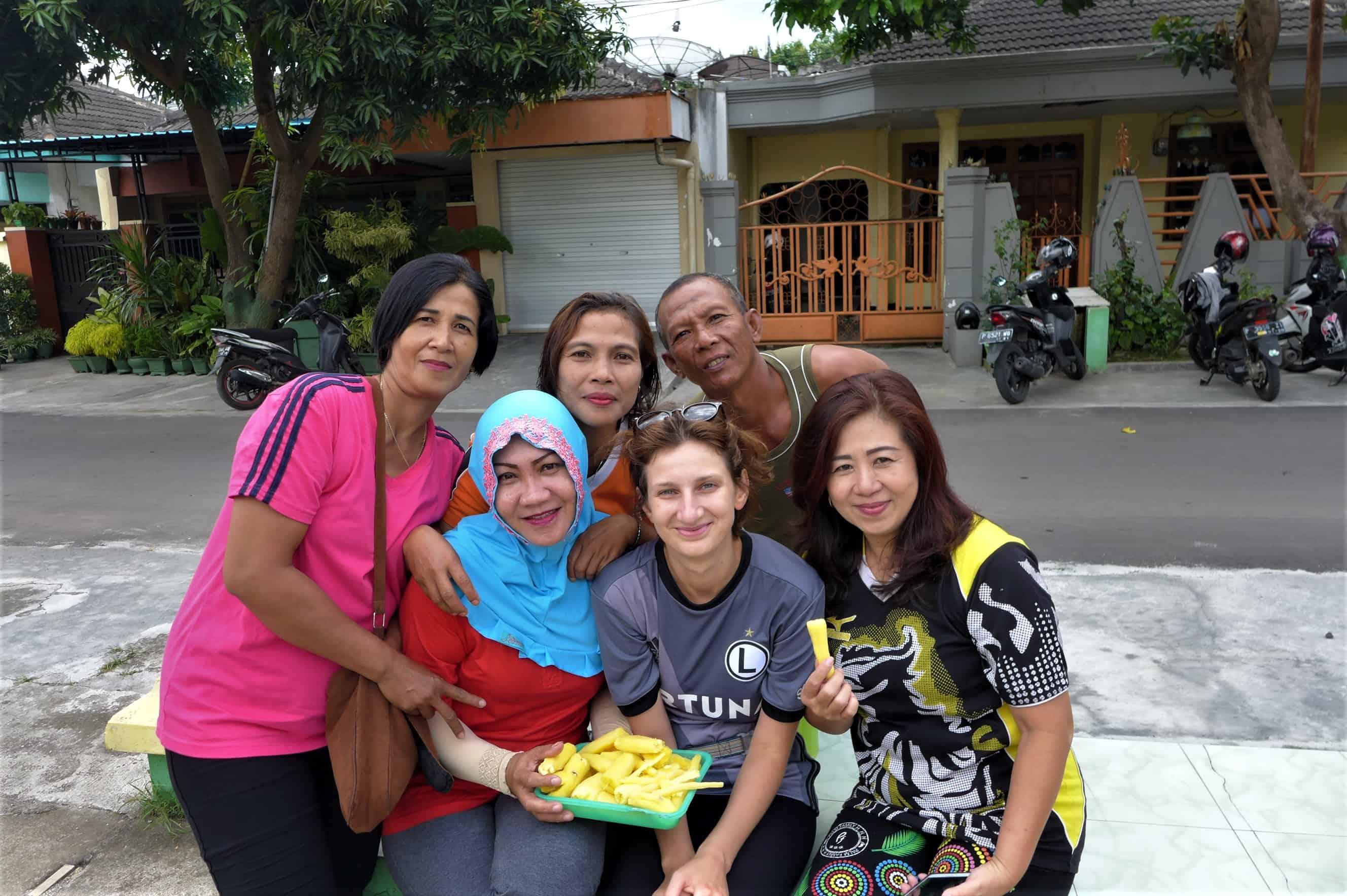 życie w drodze; Indonezja
