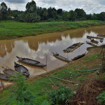 Atrakcje Battambang i opowieść o panu z dużą pałką